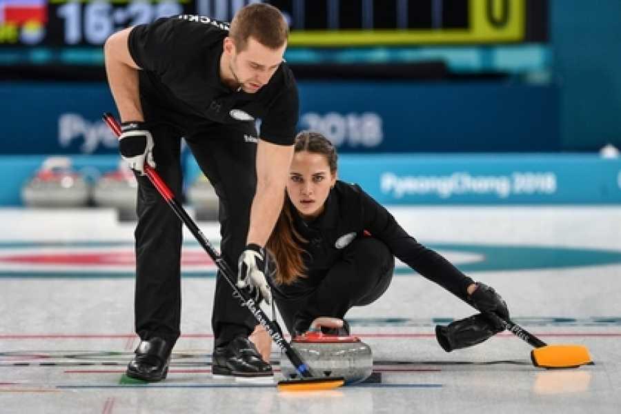 Первую победу наОлимпиаде одержали русские керлингисты