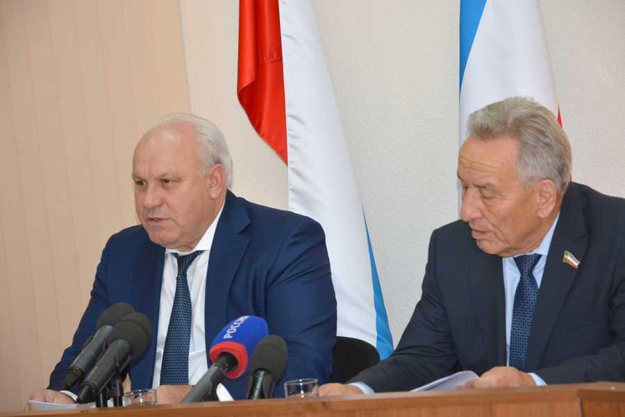 В руководстве Хакасии опровергли уход Зимина вотставку